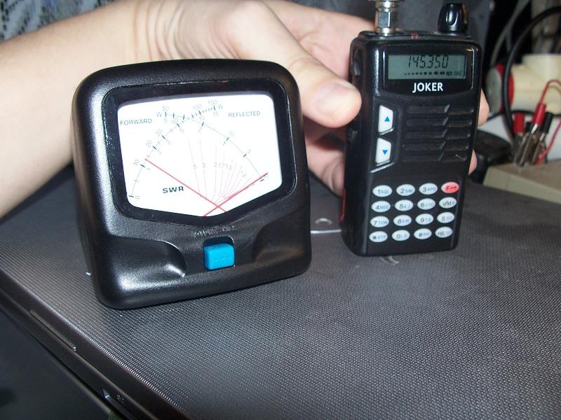 Все что у меня есть это КСВ-метр, и несколько УКВ радиостанций.  Проверим КСВ, и подключим сначала носимую УКВ с...